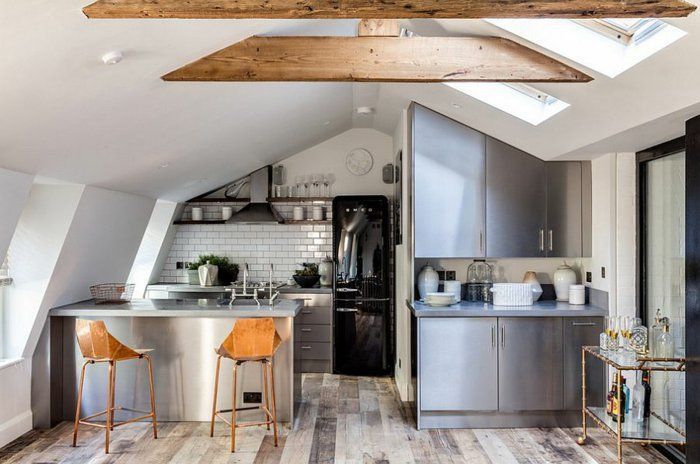 kücheneinrichtung kleine küche einrichten industrieller look - küche mit dachschräge planen