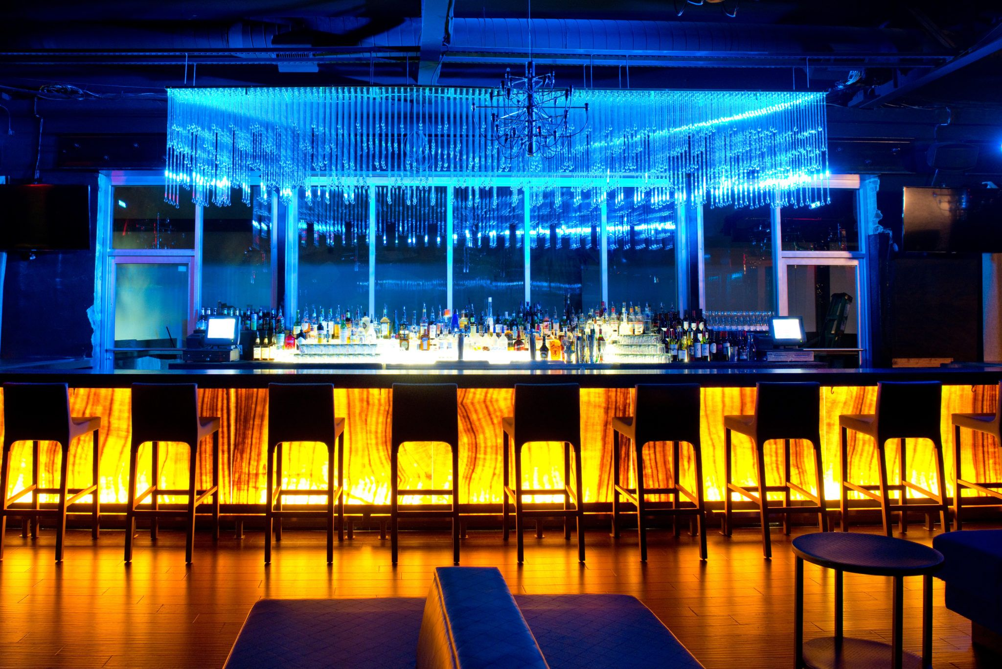 Charleston Bachelorette Party Bar Dancing At The Republic