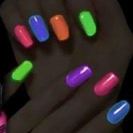 Vernis à ongles néon fluorescent citron