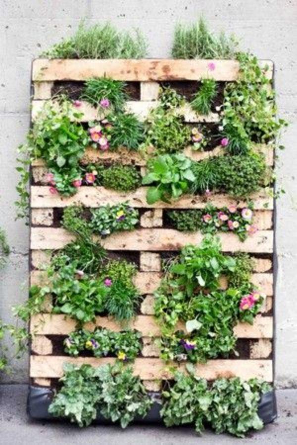10 Super Creative Vertical Garden Ideas Vertical Garden 400 x 300