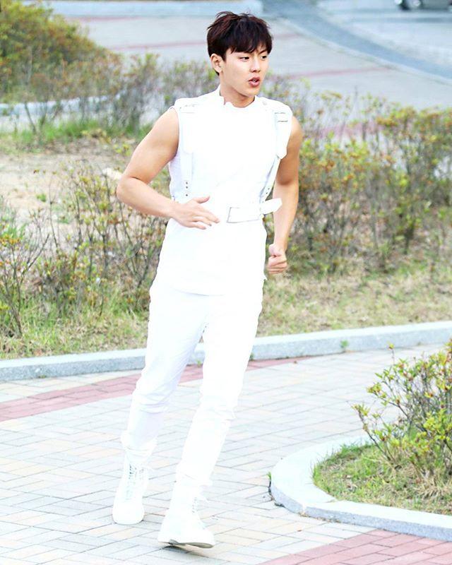 - #shownu#셔누#MonstaX#kpop#몬스타엑스 #SonHyunwoo#jooheon#minhyuk#wonho#kihyun  #changkyun#hyungwon#monbebe#몬베베  cr. all of me