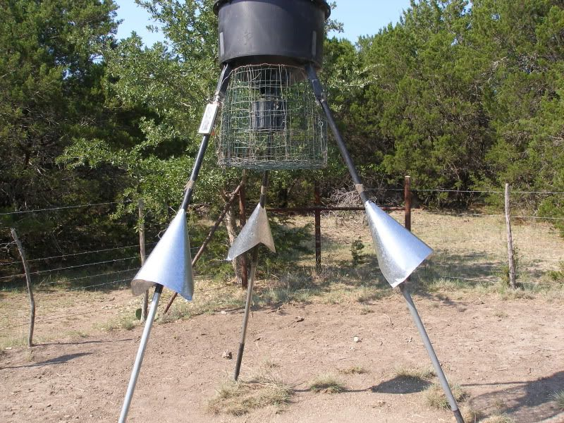 Cheap way to coon proof your feeders   Deer Hunting   Texas
