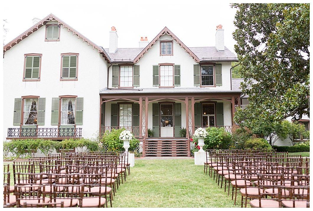Patriotic Red White Blue Washington Dc Lincoln S Cottage Wedding Brett Denfeld Photography Cottage Wedding House Styles Dc Weddings
