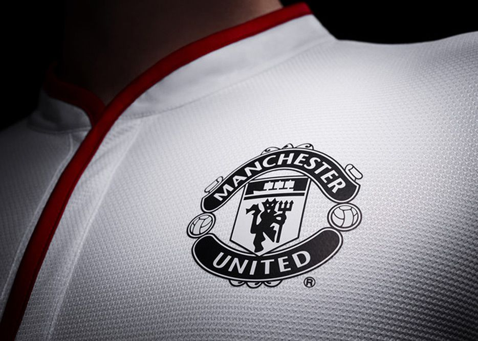 Adidas Debuts Manchester United Chinese New Year Kit Manchester United Wallpaper Manchester United Manchester United Football
