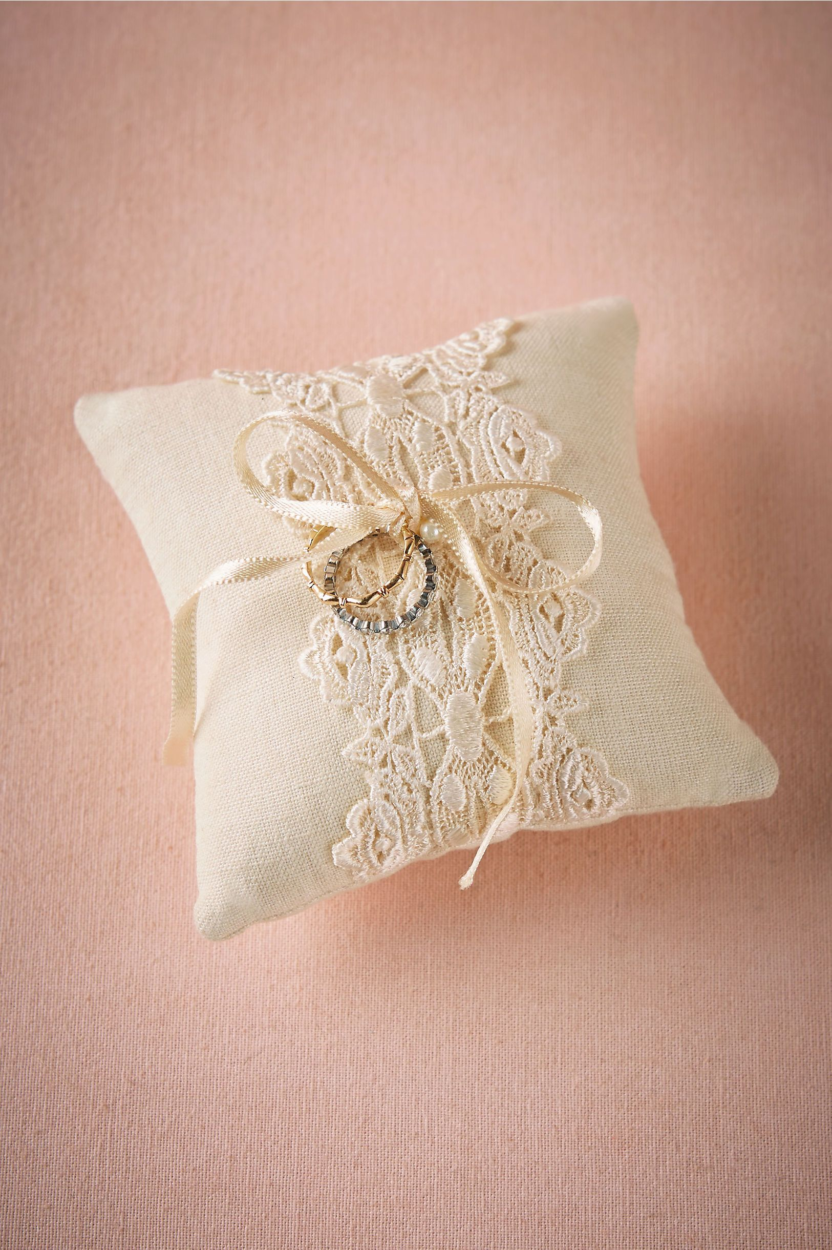 wedding products dog ring to collar pink gold pillow and attach bearer