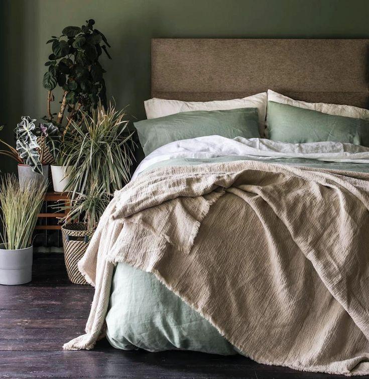 10 Elegant Farmhouse Bedroom Natural Ideas In 2020 Green Duvet