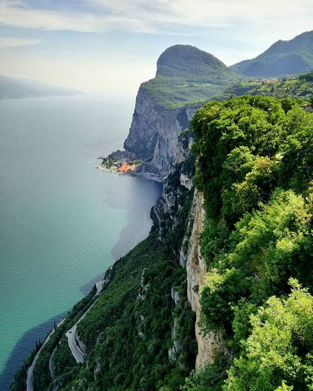 What A Beauty Dreamlike And At The Same Time Vertiginous Is