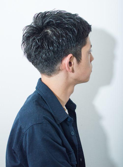 ビジネスシーンでも使える好感度の高い2ブロックの爽やかヘア 骨格に合わせて2ブロックを設定するので 幅広いお客様に似合うデザインです 髪型 ショート メンズ メンズヘアカット メンズ ヘアスタイル ツーブロック