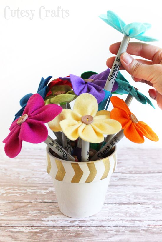 Felt Flower Pen Bouquet - Teacher Gift | Bows | Pinterest | Flower ...