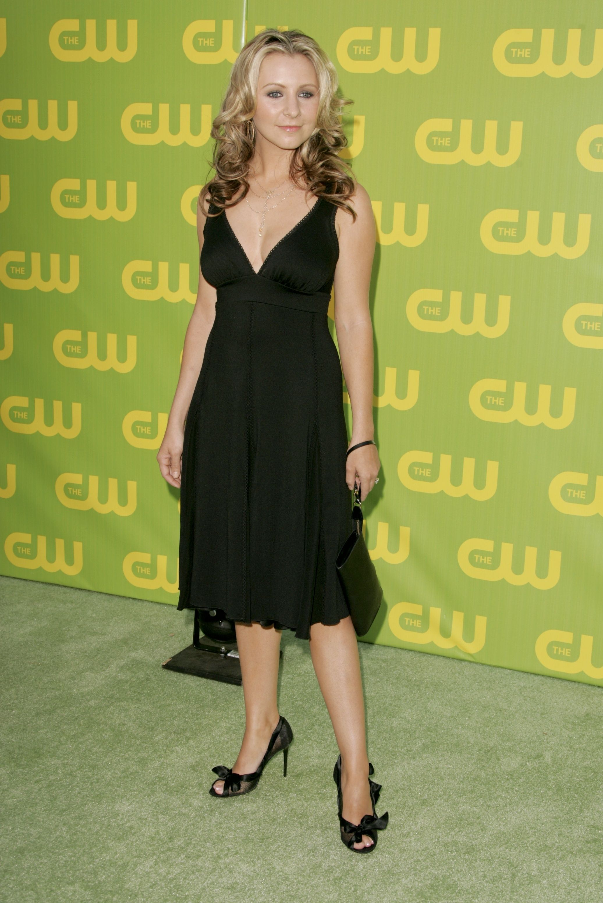 The-CW-Launch-Party-2006-beverley-mitchell   Red Carpet and Event ...