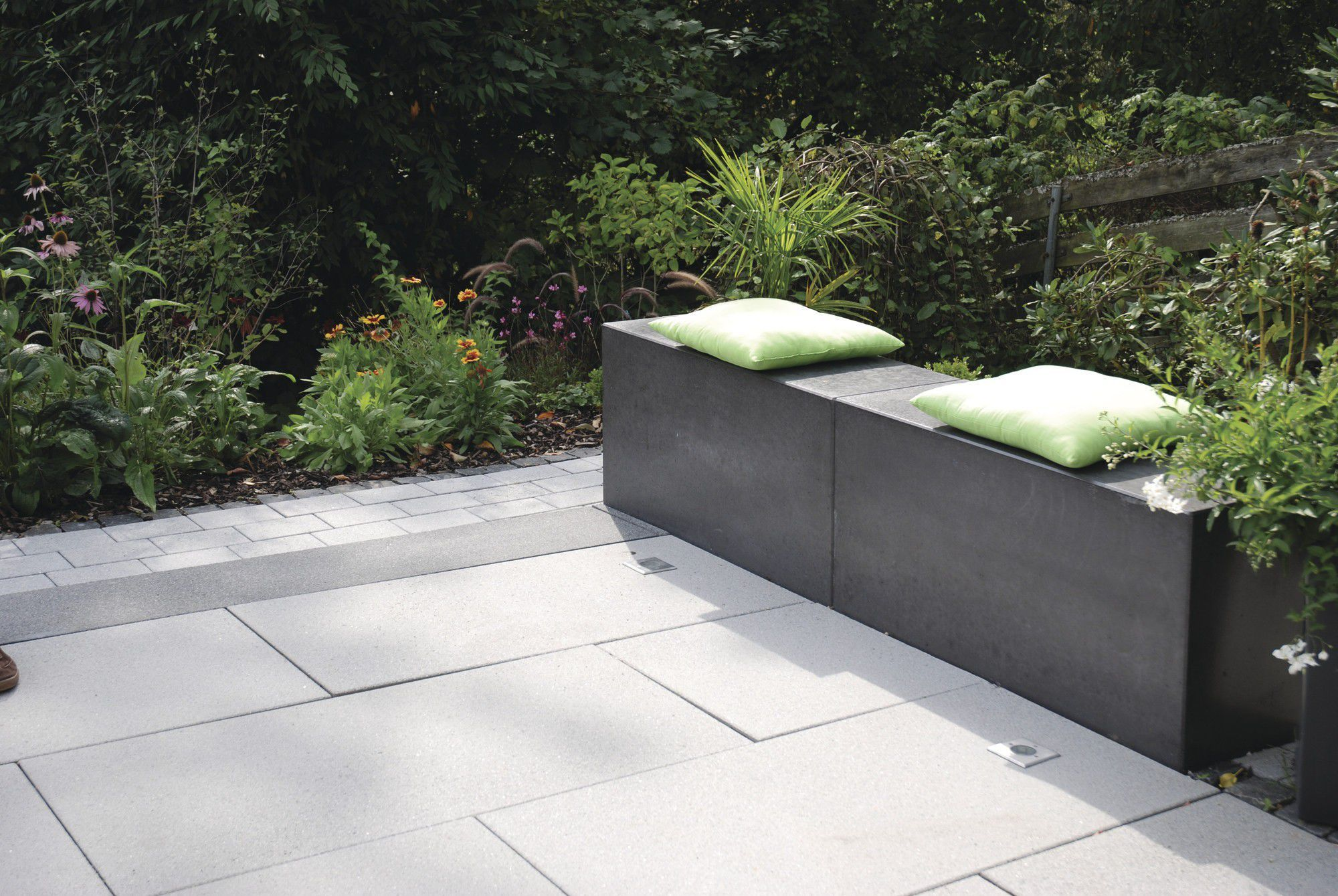 Gartenbank / modern / Holz / Edelstahl - RINNIT PLATINUM - Rinn ...