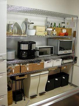キッチンのスチールラック収納 小さなキッチンのリフォーム