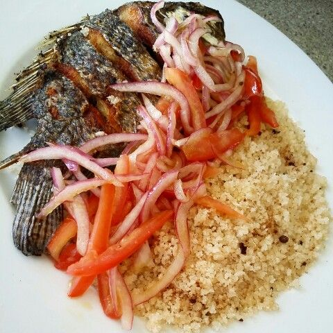 Fried tilapia with attieke foodsbyricky my kitchen my for Nourriture du poisson
