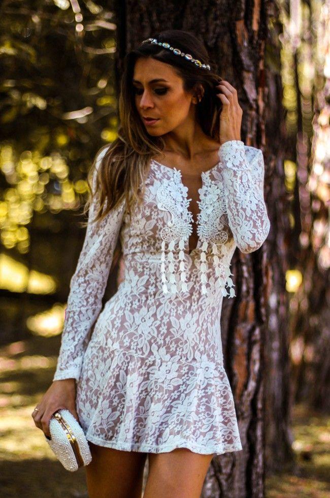 ab723105665c Vestido de renda curto - Delicado e feminino | moda e acessórios ...