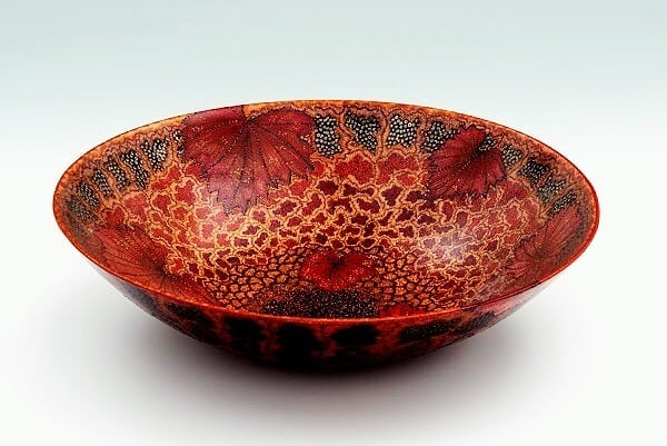▪️AUTUMN▪️ ceramic bowl by Eva Ouden Ampsen (@evaoudenampsen)................................................Support artists, designers and modern creators🙏▶️Like, share and comment! 🔆✔️✔️✔️.⏩ Follow @expo_oniric_mag👉#tagforshoutout! 💚 .▶️ See more art features at @art_feature_magazine…….................#handmadebowl #handbuiltbowl #handbuiltceramics #instapottery #ceramicplates #ceramicplatesandbowls #ceramic #loveceramic #ceramique #pottersofinstagram #ceramicsart #ceramiclove #c
