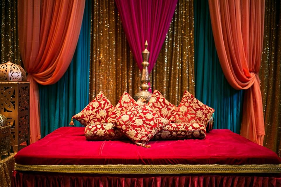Mehndi Decoration Simple : The mehndi sangeet holud stage sarah khan event