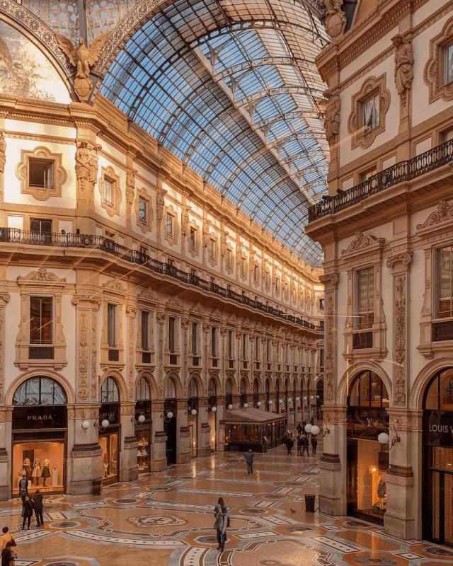 Italy Milan Galleria Vittorio Emanuele