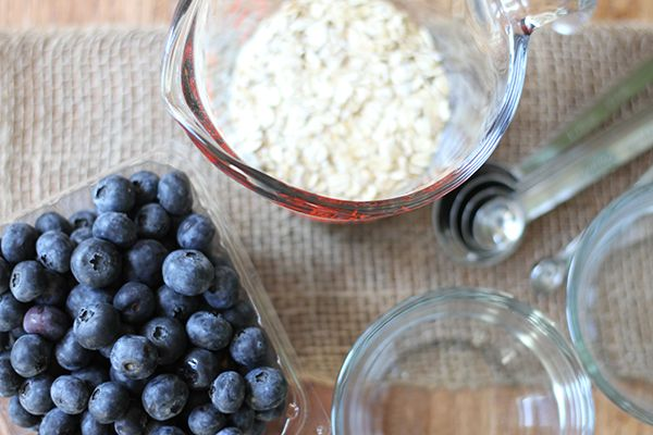 Blueberry Crumble Recipe plus Giveaway | The Earthy Mama