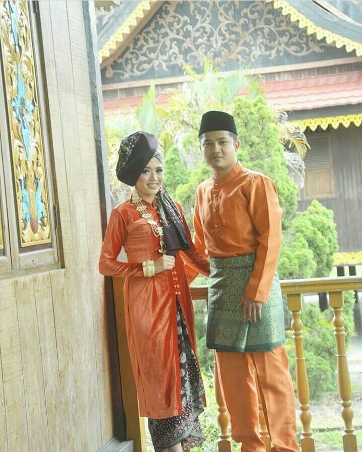 Baju Baju Adat Indonesia