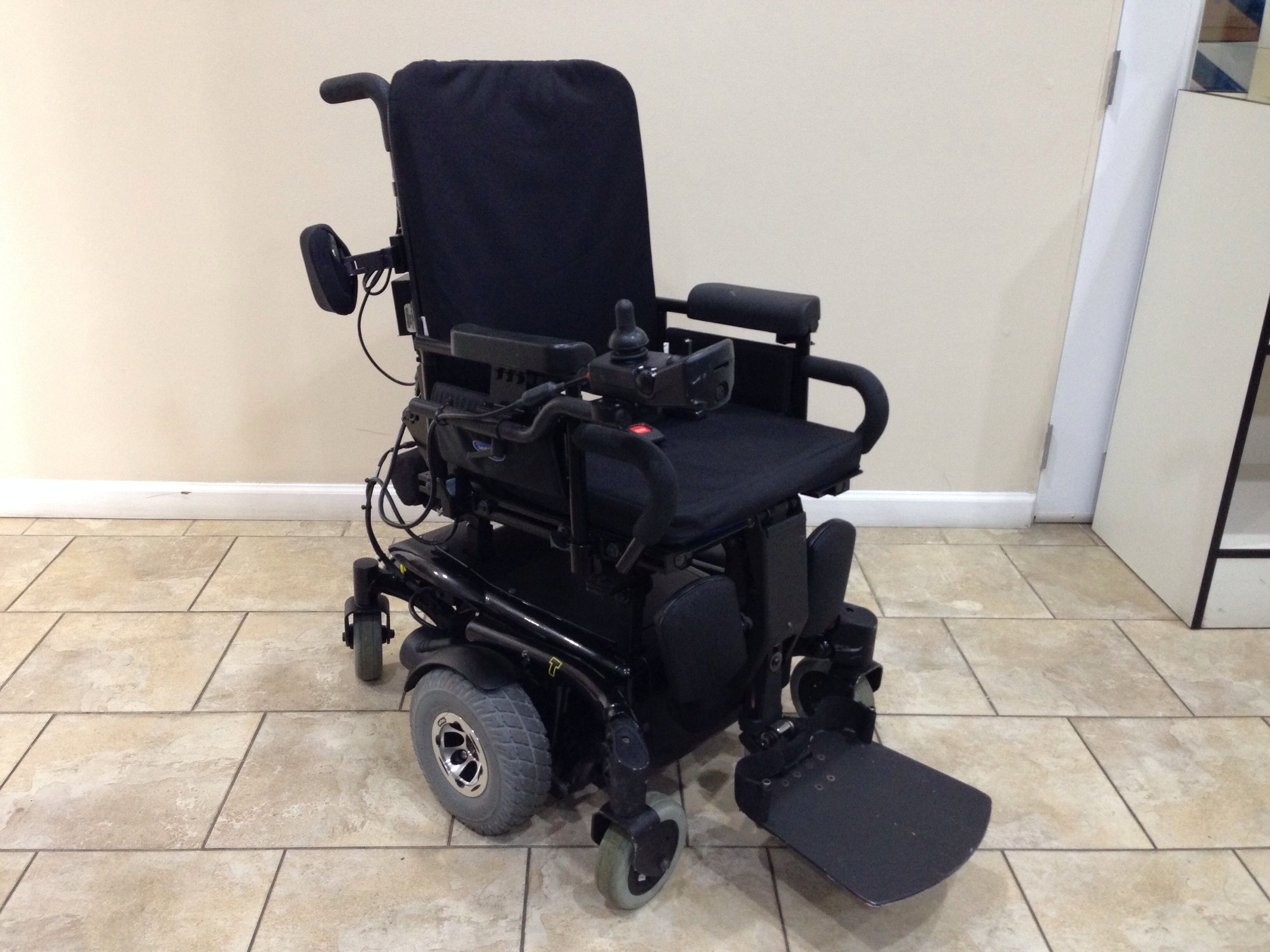 Pronto Power Chair Invacare Tdx Sc Rehab Power Tilt And Elevating Legrest Used