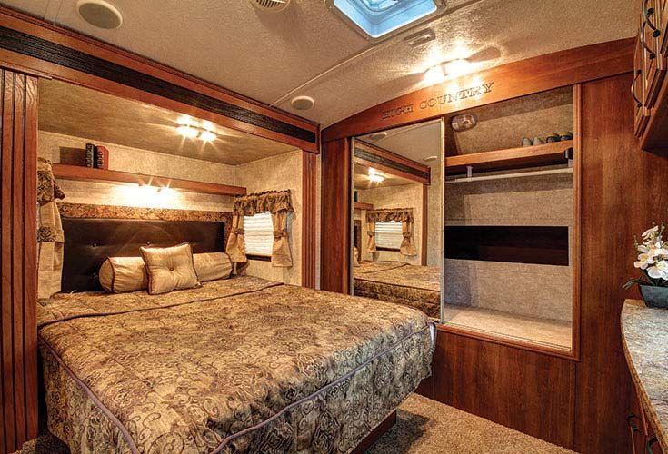 Keystone Rv Like The Shelf Above The Bed And The Headboard Trailer