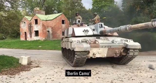 6734e1fca31cc Berlin Camouflage Challenger 2 British Tanks