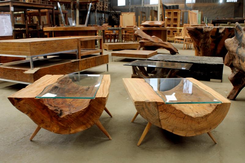 Mesa de centro de tronco decora o tronco de rvore for Mesa de tronco