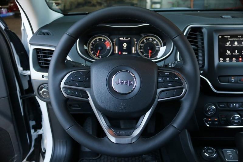 2019 Jeep Cherokee Latitude Plus Wholesale Investments Inc