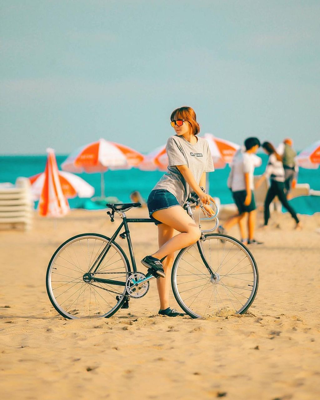 Picture perfect, summer, beach, fixie, fixie girl!