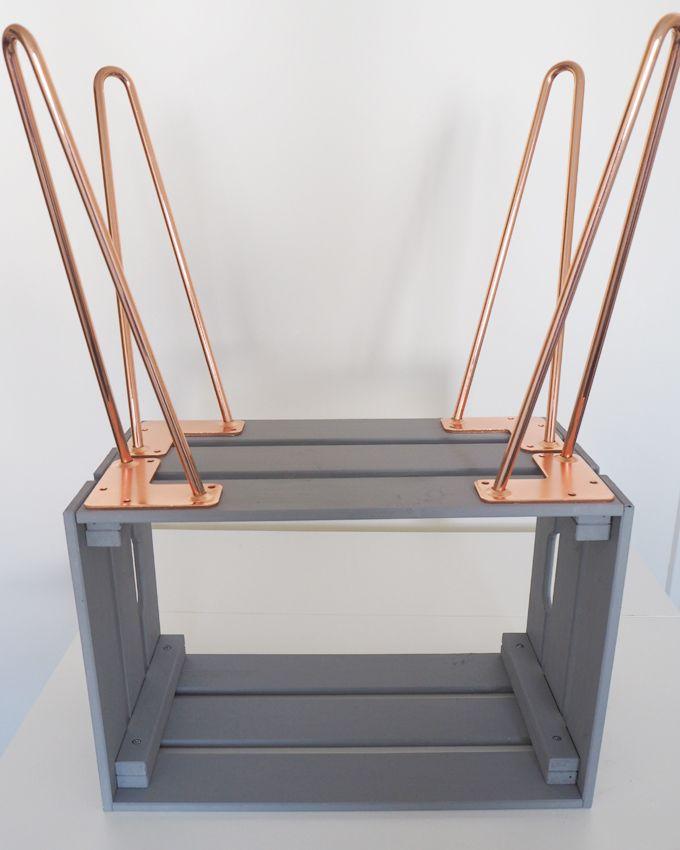 Wie Man Holz Auf 3 Einfache Arten Tuncht Style In 2020 Crate Side Table Diy Table Legs Bedside Table Diy