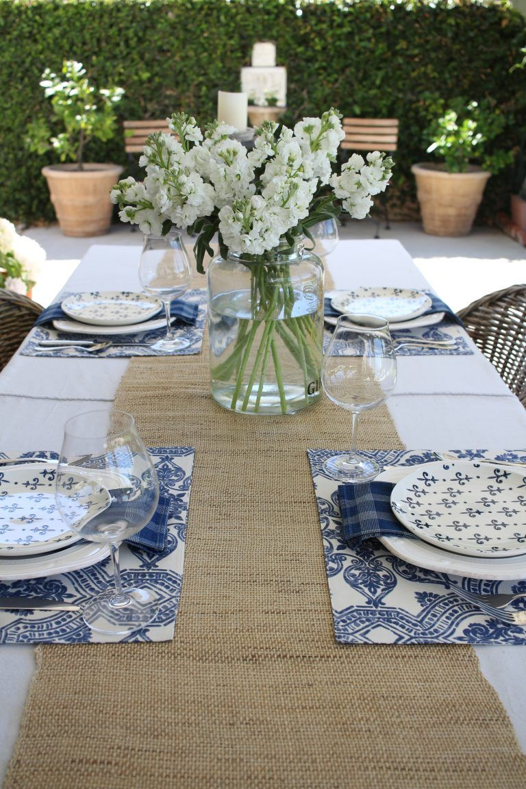 Simple Summer Tablescape In Blue And White Summer Entertaining Decor Summer Table Settings Table Setting Decor
