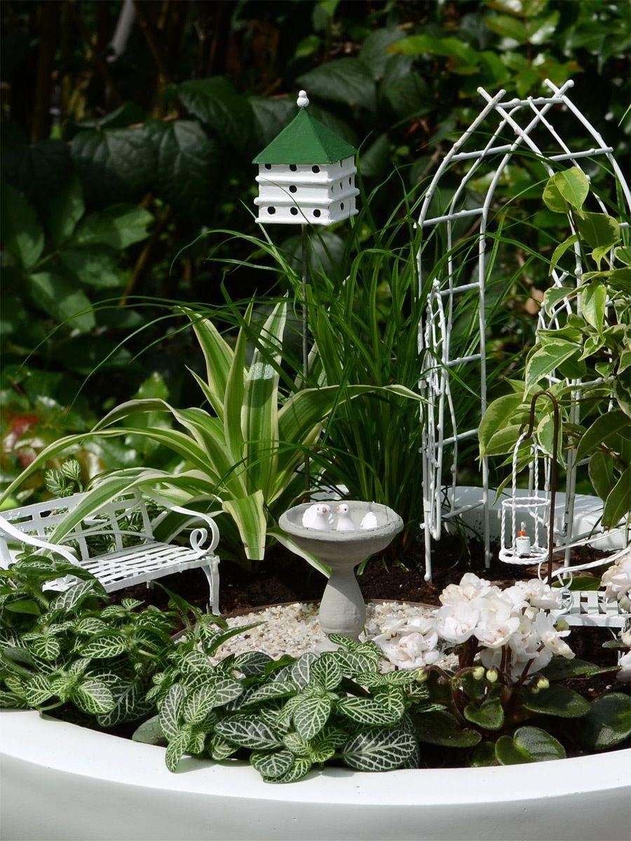 miniatur garten vogelhochzeit mini garten set weidenbogen mit taubenhaus von jeremie. Black Bedroom Furniture Sets. Home Design Ideas