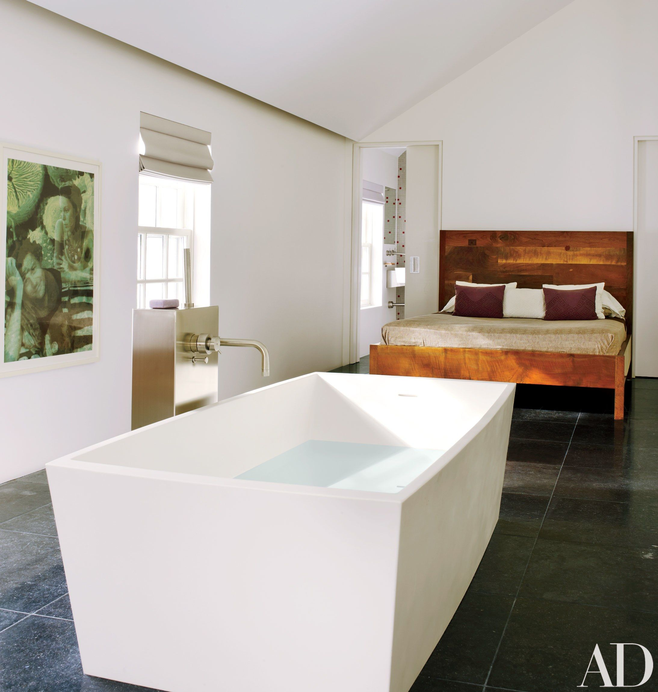 See How a Hamptons Weekend House Becomes a Minimalist Retreat Photos | Architectural Digest