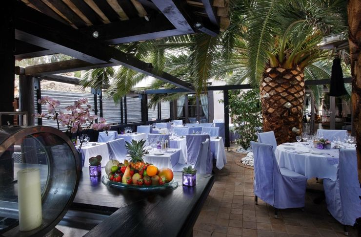 Superieur Repas En Plein Air Dans Le Second Restaurant De Lu0027hôtel