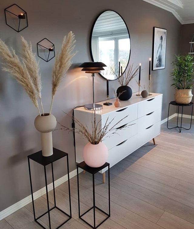 Mueble y espejo redondo #entreindretning
