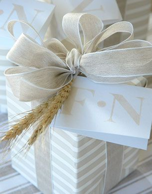 Elegant All White Paper And Ribbon And Bow With Wheat Trim Bebe Sophisticated Presentation Elegant Gift Wrapping Gift Wrapping Beautiful Gift Wrapping