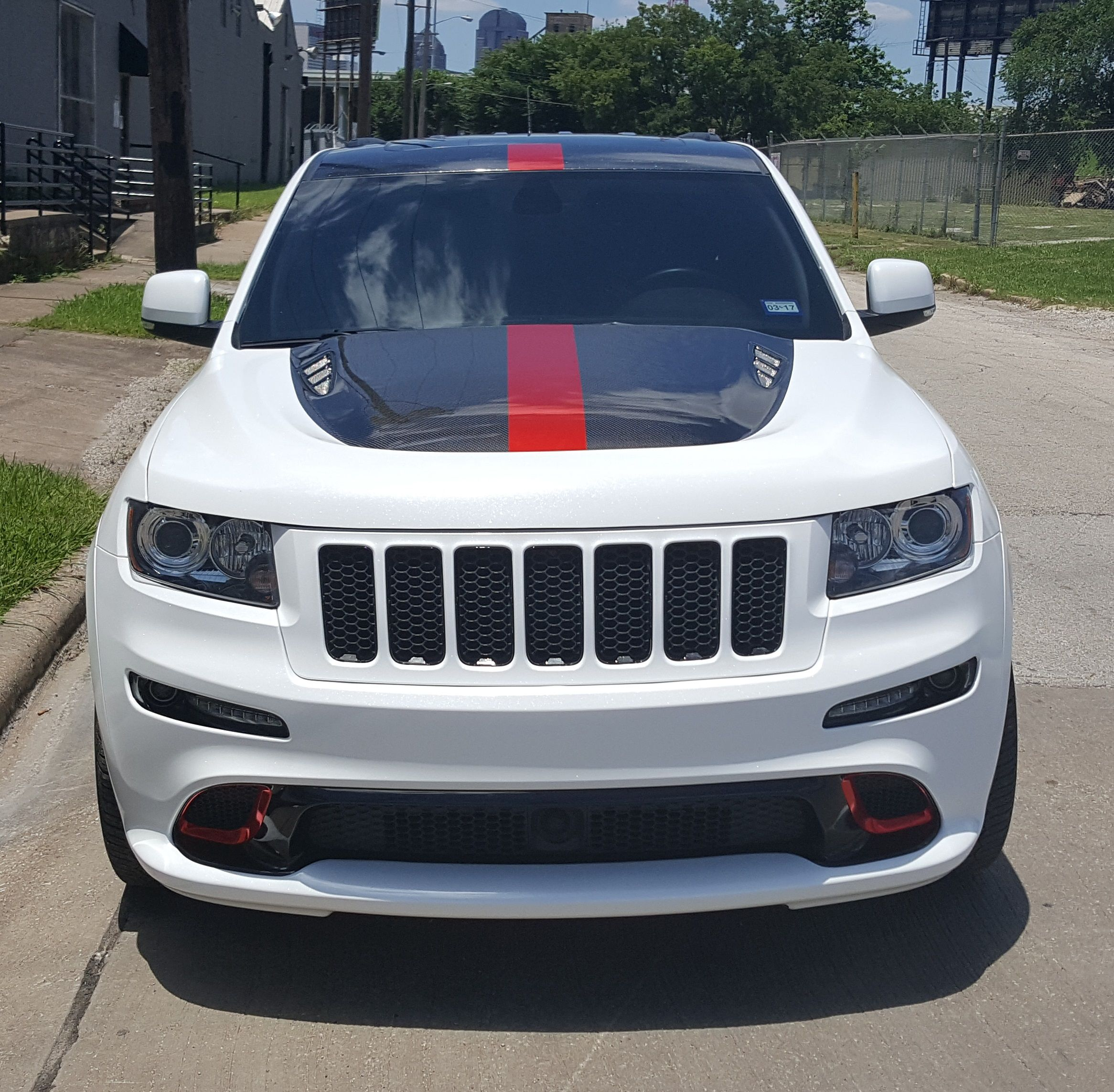 2013 Jeep Cherokee Srt8 In Diamond White With Red Chrome Accents