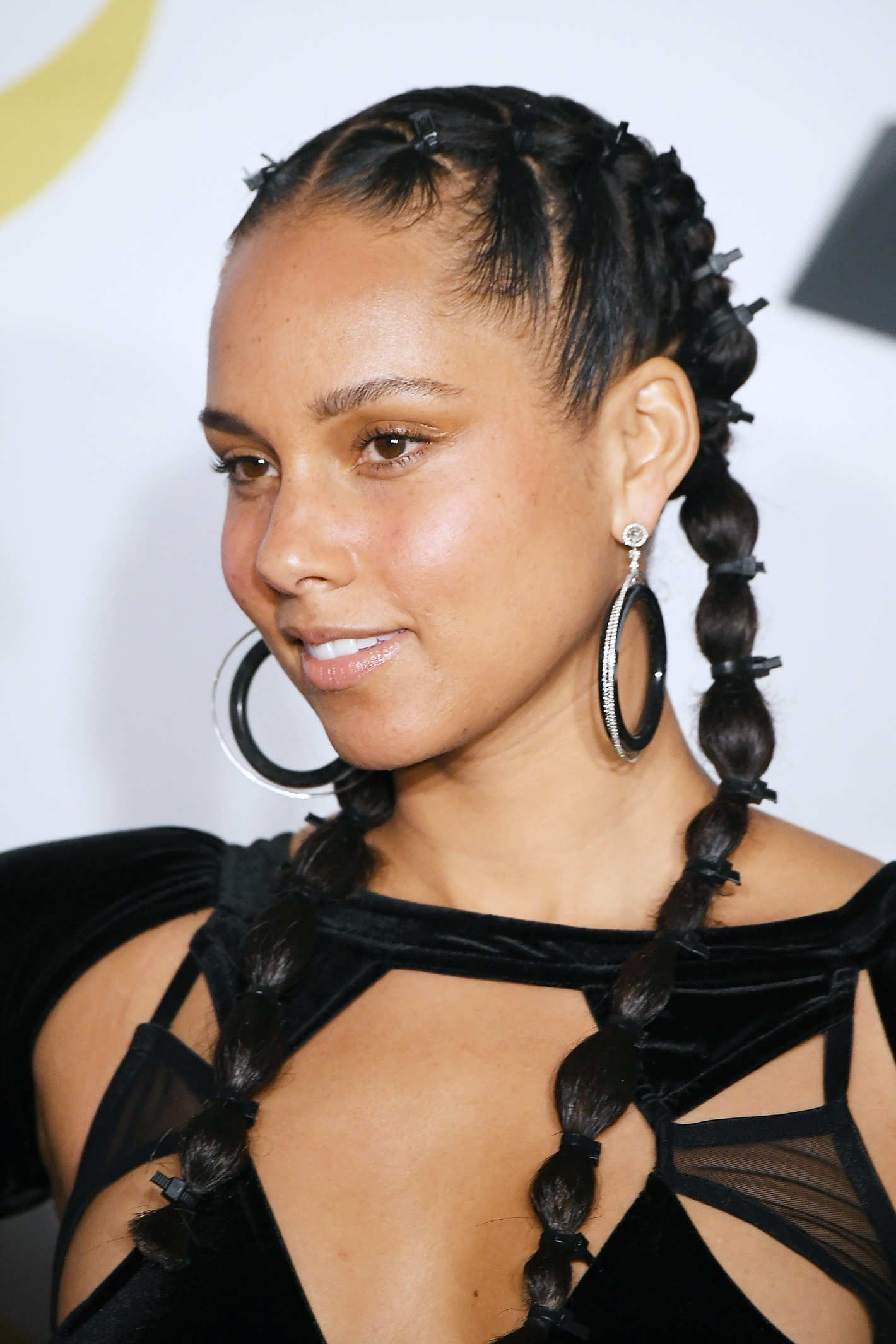 Alicia Keys Went Makeup Free At The Grammy S Alicia Keys Hairstyles Hair Styles Cornrow Hairstyles