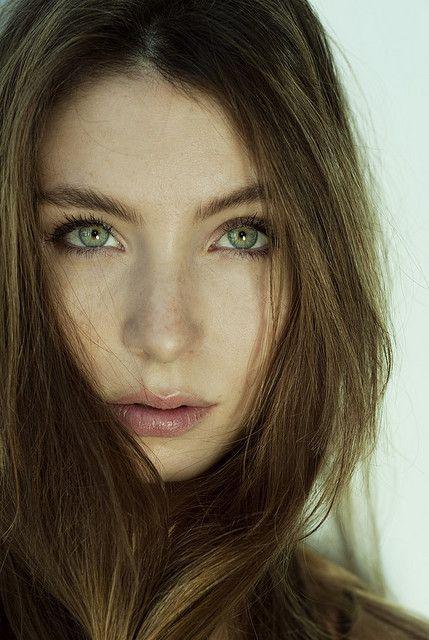 Color de pelo ojos verdes