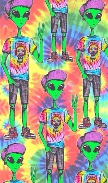 Trippy Alien Wallpaper
