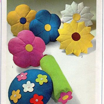 Sewing A Flower Shaped Pillow Sewing Pattern 1960s Flower
