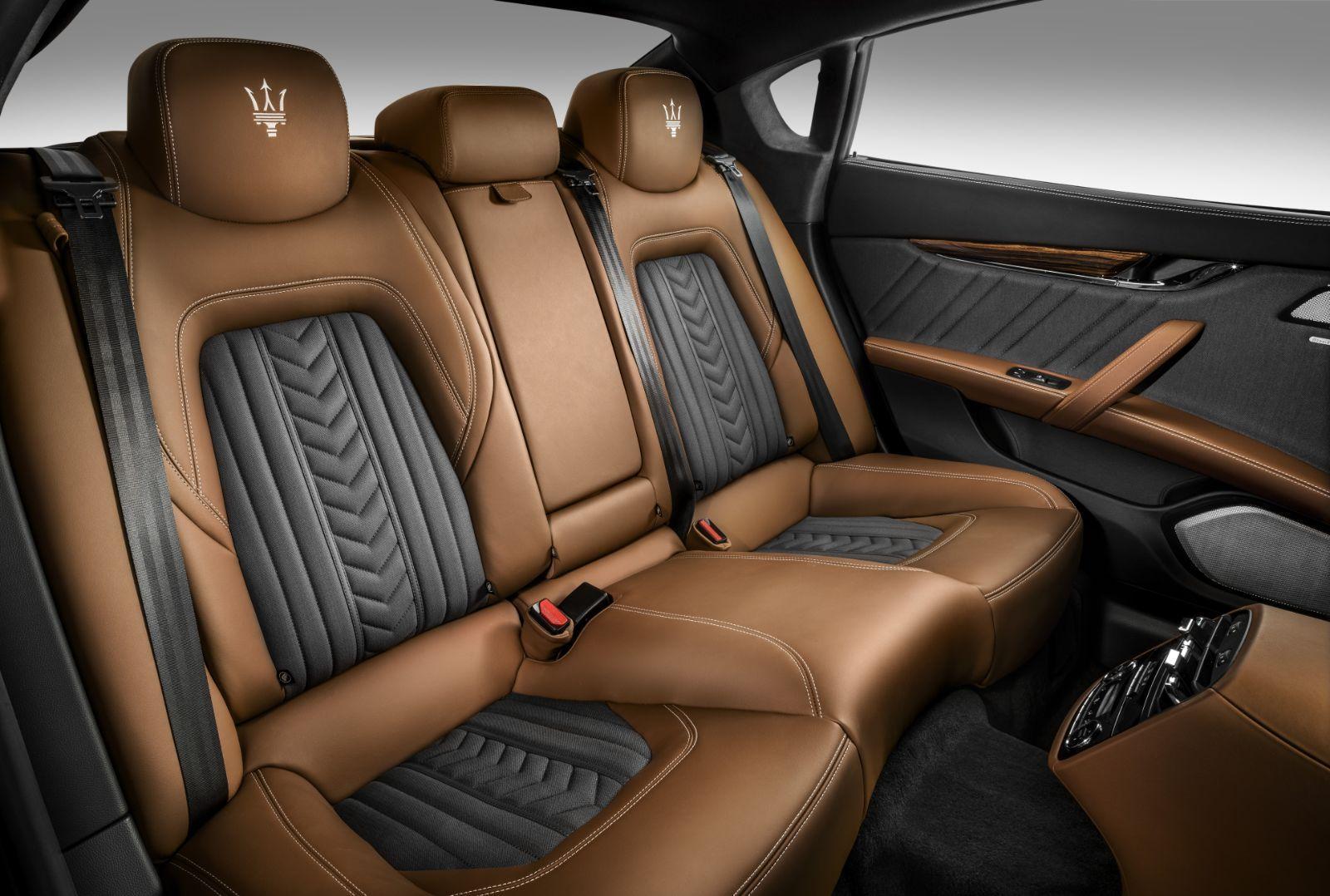 Rear Seats Interior 2017 Maserati Quattroporte
