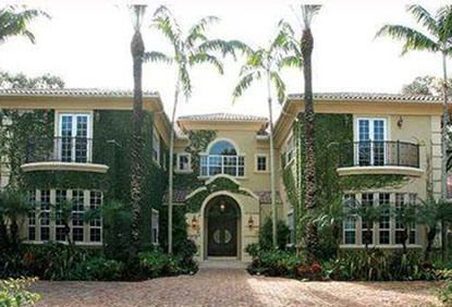ailing bee gees star robin gibb puts miami mansion on the market radar online bee gees. Black Bedroom Furniture Sets. Home Design Ideas