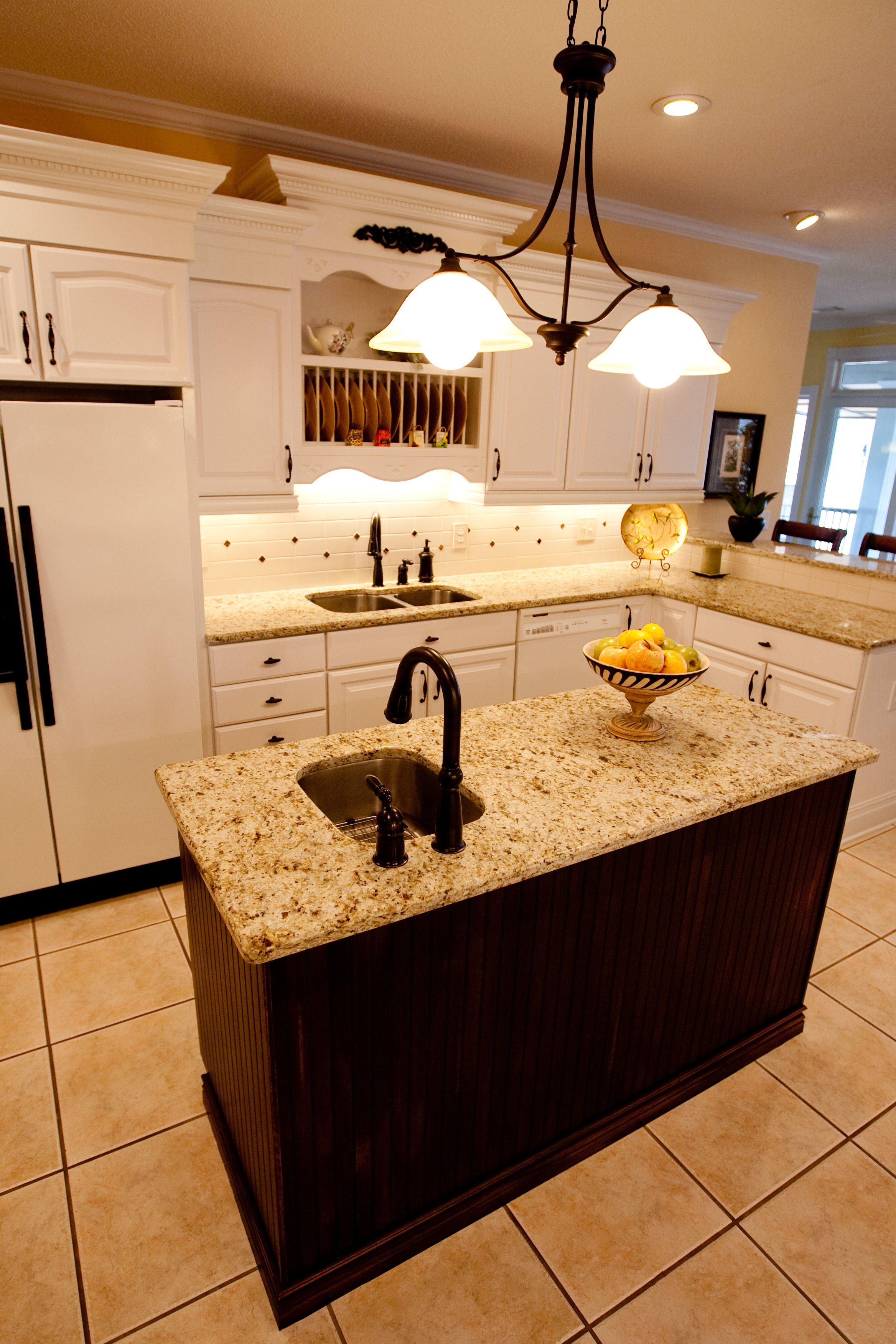 kitchens with sink in island Bing