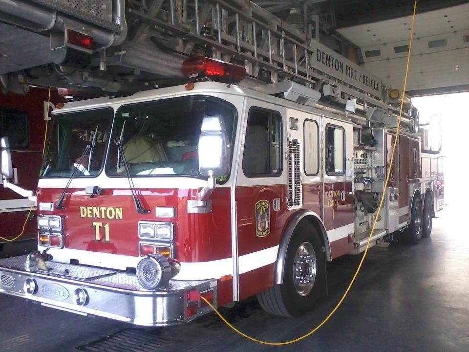 Denton Truck 1 Fire Trucks Trucks Emergency Vehicles