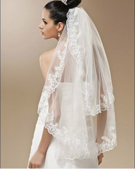 1 pc White Wedding Veil 2 Tier with Comb