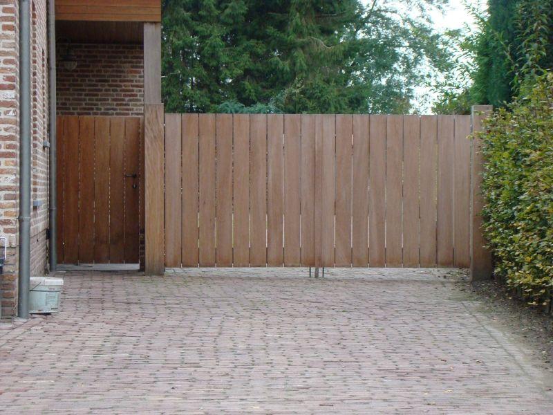 Hardhouten poorten houten poort op maat uit brabant solid wood projectspoort hek oprit - Smeedijzeren pergola voor terras ...