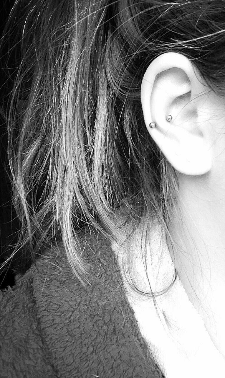 Different piercing ideas  What is this I like it  earringsupiercingsurings  Pinterest