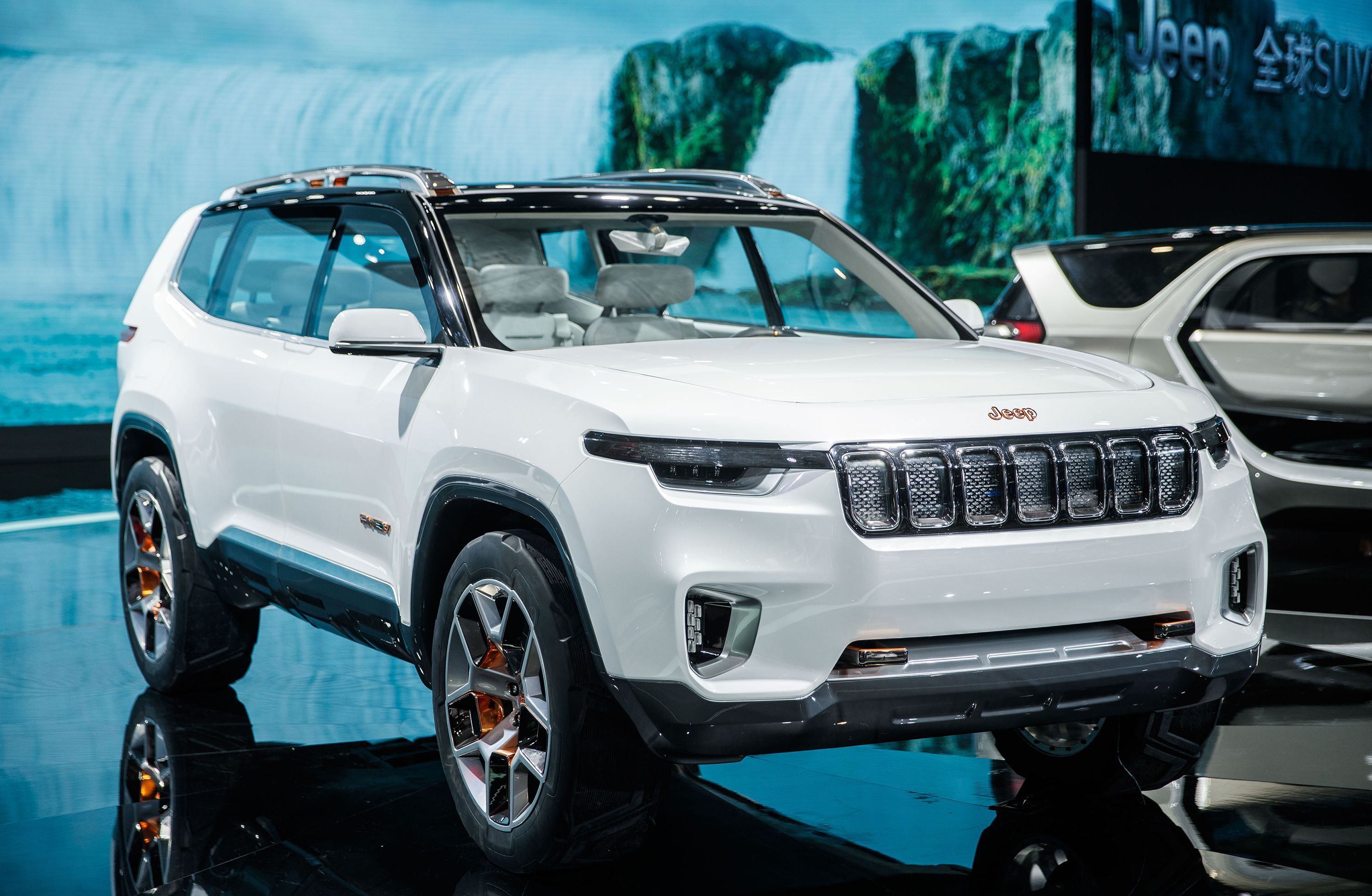 Jeep Unveils Yuntu Concept In Shanghai Seems Unenthused About It Jeep Concept Jeep Grand Cherokee Jeep Grand