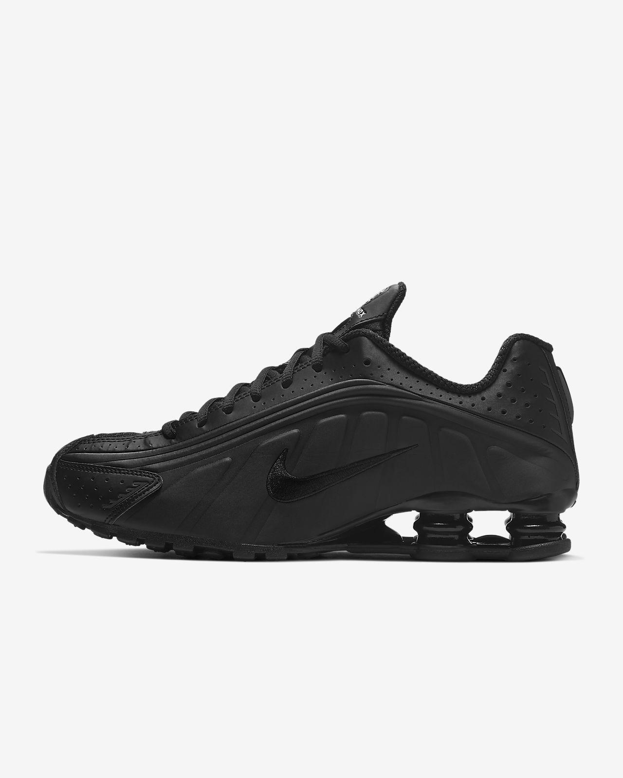 Nike Shox R4 Men's Shoe. Nike.com in 2020   Nike shox shoes ...